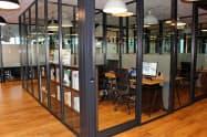 米ウィーワークのシェアオフィス「オーシャンゲートみなとみらい」の中に開設した(横浜市)