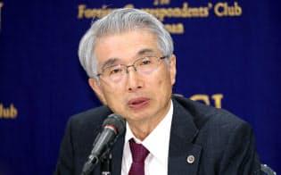 記者会見する弘中惇一郎弁護士(4日、東京都千代田区)