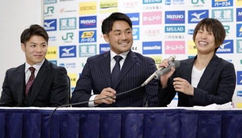 柔道の全日本選抜体重別選手権を前に、記者会見する(左から)阿部一二三、橋本壮市、近藤亜美(5日、福岡市内のホテル)=共同