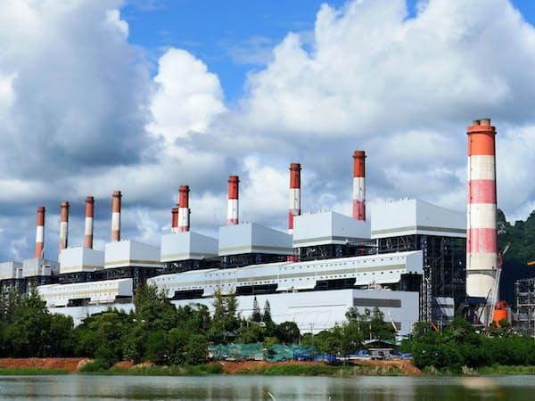東南アジアでは総発電量に占める石炭火力の比率が4割になる見通し(タイ北部の発電所)
