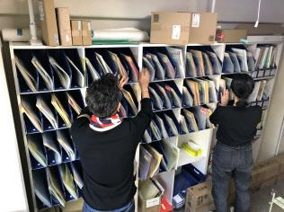 バーチャルオフィスに届いた郵便物は仕分けされ指定住所に転送される