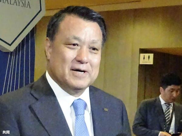 AFC総会を終え、取材に応じる日本サッカー協会の田嶋幸三会長(6日、クアラルンプール)=共同
