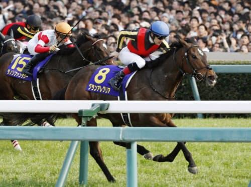 桜花賞を制したグランアレグリア=8(7日、阪神競馬場)=共同