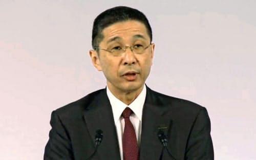 日産の臨時株主総会であいさつする西川広人社長(8日午前、東京都内)=ユーチューブから、共同