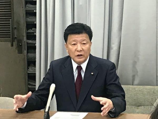 「重点区をいくつか取れなかったのは誠に残念」と振り返る自民党埼玉県連の新藤会長(8日、埼玉県庁)