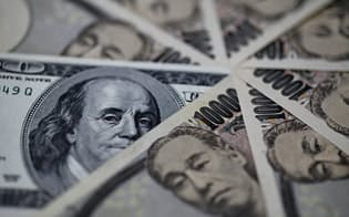 海外ではおおむね10年をメドに紙幣を刷新するケースが多いとされるが、日本は約20年ごと。背景にあるのが精度の高い技術だ=ロイター