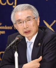 記者会見する弘中惇一郎弁護士(9日、東京都千代田区)