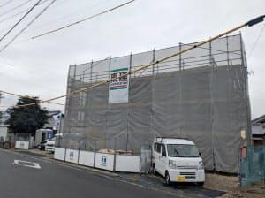 アマゾンが推薦販売していた偽ブランド品の出品者が登録した住所を訪問すると新築アパートが建設中だった(愛知県刈谷市)