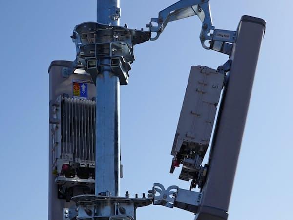 設置完了したアンテナ。ここに光ケーブルや電源ケーブルを接続して完成となる