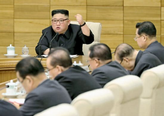 9日に開かれた朝鮮労働党の政治局拡大会議=朝鮮中央通信・共同
