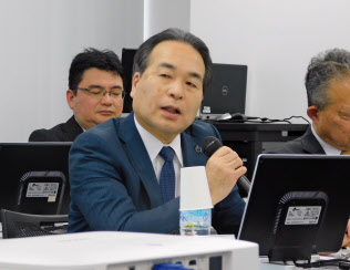 会見したイオン九州の柴田社長(10日、福岡市)