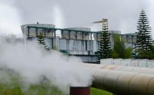 インドネシアでは資源豊富な地熱を使った発電が活発(西ジャワ州のカモジャン発電所)