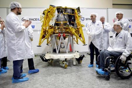 イスラエルの団体スペースILが開発した月面探査機=ロイター