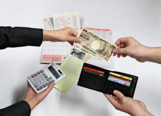 家計には生活費以外に「特別費」という名の臨時出費がある=写真はイメージ