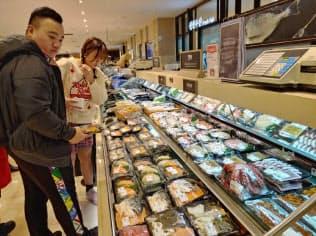 ソウル市内の鮮魚売り場には日本産海産物は並んでいなかった(12日)