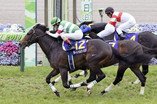 皐月賞を制したサートゥルナーリア=12=(14日、中山競馬場)=共同