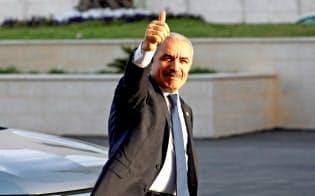 パレスチナ自治政府で13日、シュタイエ首相が率いる内閣が発足した(ラマラ)=ロイター