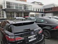 トヨタ子会社が開業したレクサスの中古車の新型店舗(14日、東京都杉並区)