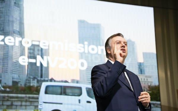 1月に日産本社で開いた新型車「リーフe+」の発表会に登壇したダニエレ・スキラッチ副社長(横浜市西区)