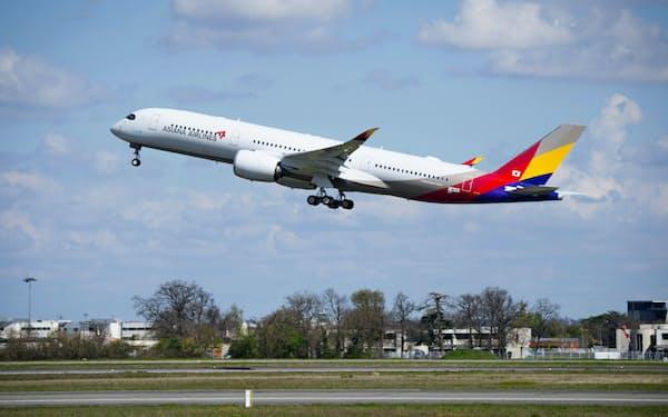 韓国のアシアナ航空は、財閥の資金繰りが行き詰まり、売却されることが決まった。