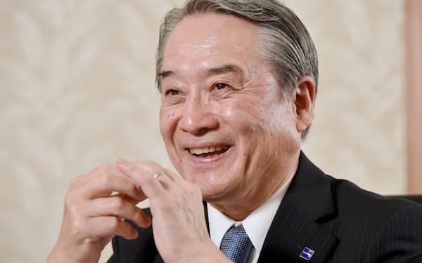 みわ・もとずみ 1954年兵庫県姫路市生まれ。阪大経卒。太陽神戸銀行(現三井住友銀行)に入行。経済企画庁経済研究所への出向や米ニューヨーク駐在では経済の分析・調査を担当した。2009年にグローリー入社。副社長などを経て現職。
