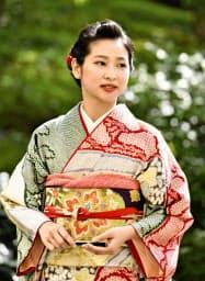 葵祭の第64代「斎王代」に選ばれた負野李花さん(15日午後、京都市)