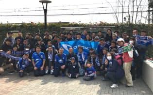J2の町田ゼルビアは今季開幕戦で最寄り駅からスタジアムまで「歩く」イベントを企画。さまざまな立場の人が歩きながら、街おこしについて考えた