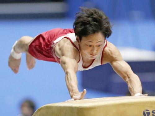 昨年の全日本種目別選手権の跳馬で優勝した米倉英信(高崎アリーナ)=共同