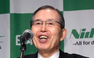 記者会見する日本電産の永守会長兼CEO(16日、東京都千代田区)