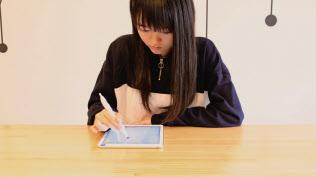 子ども世代はITを使った教材で、自分の理解度・ペースにあわせて勉強する機会が増えている(キュビナの学習イメージ)