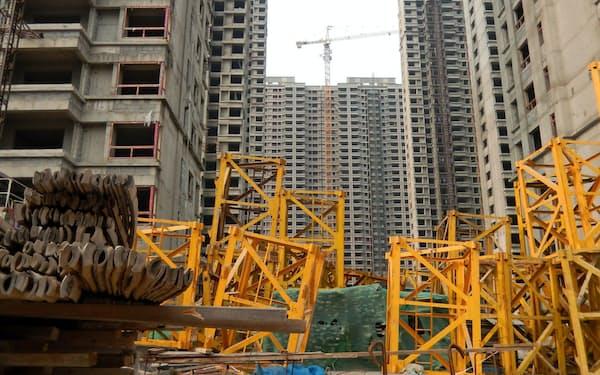 街のいたるところでマンション建設が進む(山東省●沢市)