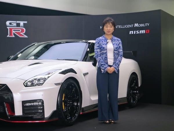 発売50周年を迎えた「GT-R」の2020年モデルを公開した(東京・中央)