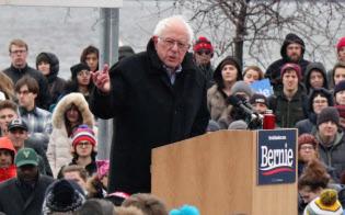 サンダース米上院議員は大衆迎合的な主張が目立つ(12日、ウィスコンシン州)