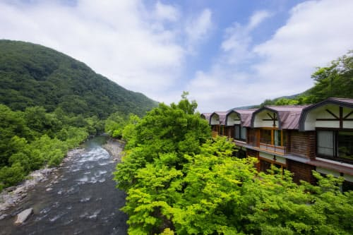 星野リゾートの奥入瀬渓流ホテル(青森県十和田市)