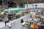 ボーイングは737MAXの生産ペースを月間42機にする(ワシントン州の工場)=ロイター