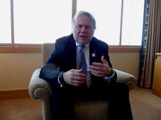 カトロガロス外相は北マケドニアとの和解で国際的な信頼が高まった?#26085;Zった(16日、都内)