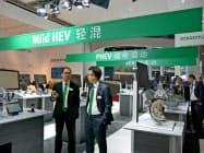 独シェフラーはHV向け部品も展示した(17日、中国・上海)
