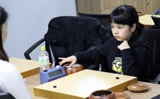 仲邑菫初段は韓国の道場で修業した(2月、ソウル市)
