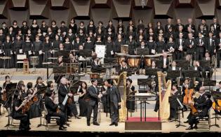 大フィル合唱団は3月の定期でバーンスタイン「チチェスター詩篇」を歌った=飯島隆撮影