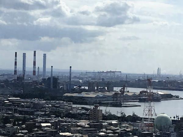 京葉臨海工業地帯ではIoTやAIを使ったモノづくり改革が進む。