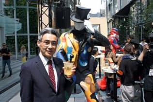 ジョニーウォーカーのコンセプトショップを渋谷駅前で5月6日まで開く(写真はキリン・ディアジオの西海枝毅社長)