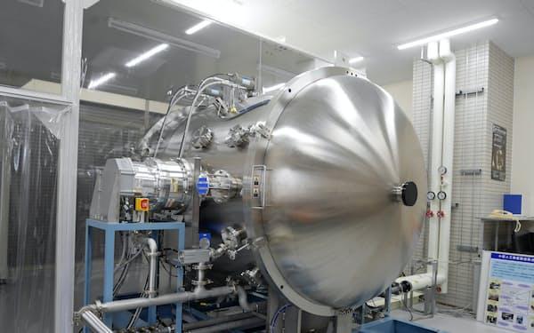 福井県は全国有数の人工衛星試験設備を整備した