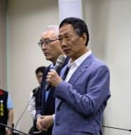 鴻海の郭台銘董事長(17日、台北市内の国民党本部)