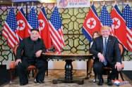 北朝鮮は米国との対話再開を望む(3月にハノイで行われた米朝首脳会談)=ロイター