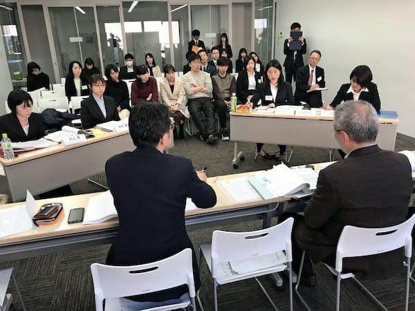 同志社大で開催された模擬仲裁大会(3月9日、京都市上京区)