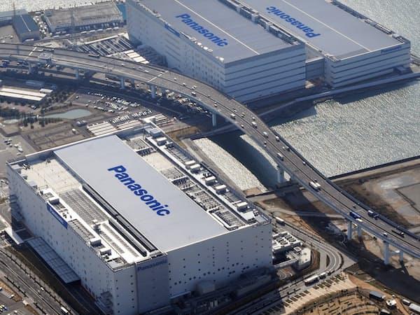 パナソニックの巨大プラズマパネル工場は物流施設に生まれ変わった(兵庫県尼崎市、2010年撮影)