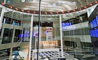 日本株市場は欧米主要市場に比べ営業日数が少ない(東京・中央の東証アローズ)