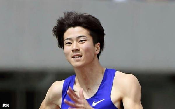 男子100メートル決勝で力走する多田修平。10秒22で2位(21日、島根県立浜山公園陸上競技場)=共同