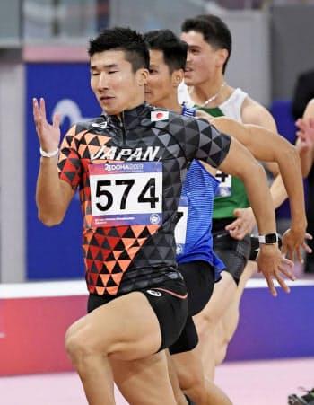 男子100メートル予選 10秒29の3組1着で準決勝進出を決めた桐生祥秀(21日、ドーハ)=共同