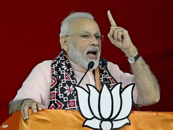 与党BJPを率いるモディ首相=AP